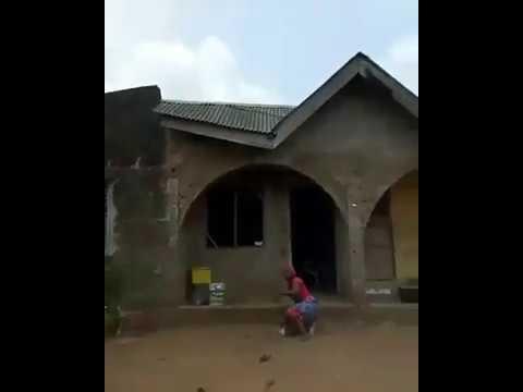 Drone gören Afrikalı kadın adeta çıldırdı işte o video izle