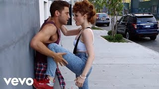 Watch Kiesza Hideaway video