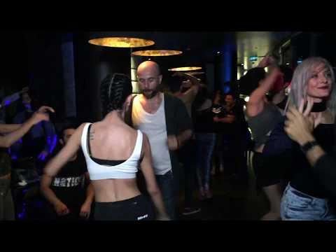 Despacito Version Salsa  Latin Fridays Dance Night  Latin Dans Gecesi 131017