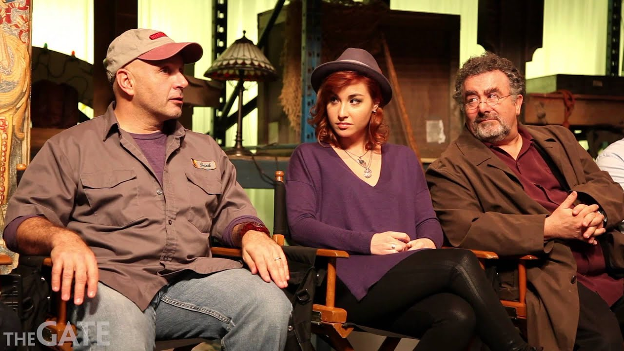 Download On set with the cast of 'Warehouse 13'