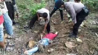 Download Video Faktar penemuan mayat istri pejabat di hutan mojekerto!!! MP3 3GP MP4
