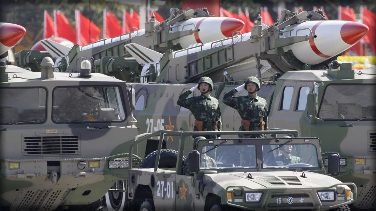 CHINA SENDS THE U.S. A NUCLEAR MESSAGE ABOVE THE SOUTH CHINA SEA