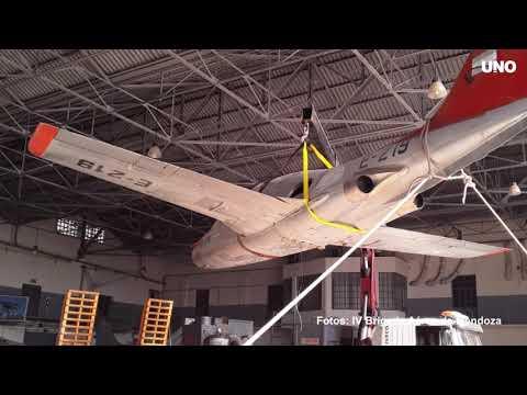 El Avión De La Rotonda En Los Talleres De La IV Brigada Aérea