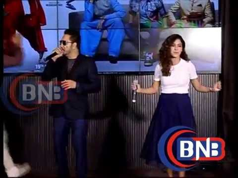 Mika Singh Singing his new song Gabru Ready To Mingle Hai of Happy bhag jayegi with  Neeti Mohan