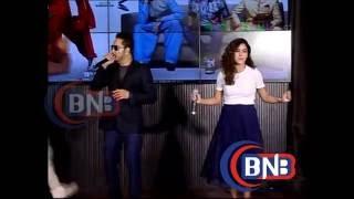 Mika Singh Singing his new song Gabru Ready To Mingle Hai of Happy bhag jayegi with  Neeti Mohan