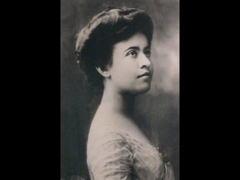 Pianist Olga Samaroff: The White Peacock (1930)