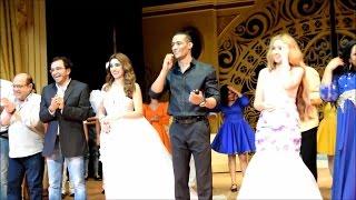 تحيه محمد رمضان للجمهور فى اول ليله عرض مسرحيه أهلا رمضان | على مسرح الهرم