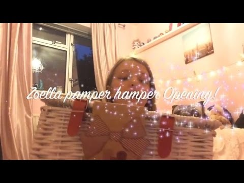 New Zoella christmas range pamper hamper opening and review!