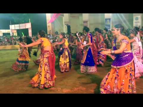 Sanedo ( Dholida 2016) - A Unique Garba dance style, WATCH Till THE END