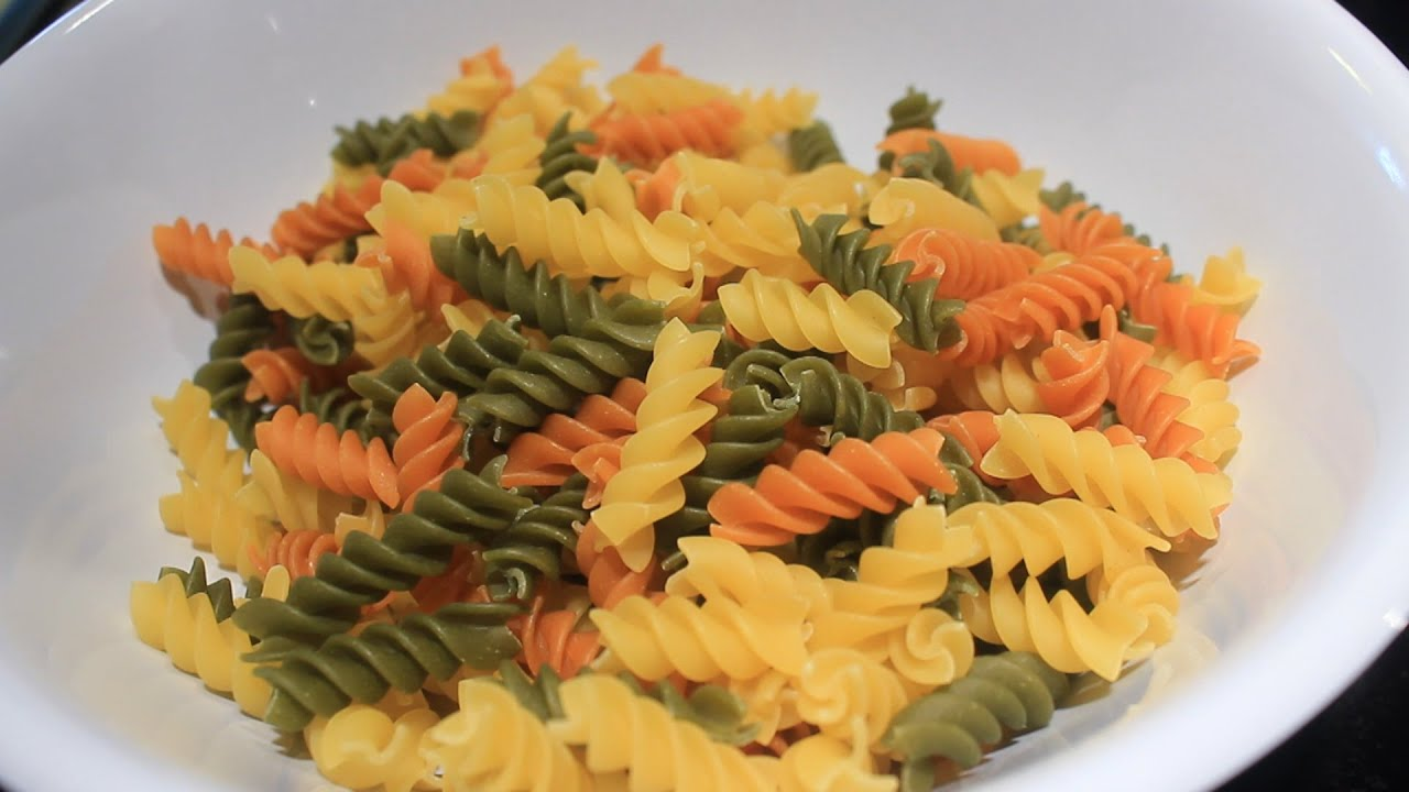 Garden Rotini Pasta w/ Alfredo Sauce - YouTube