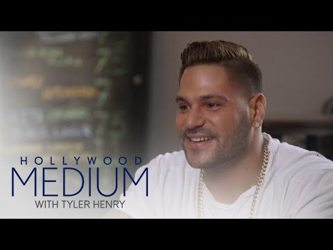Tyler Can't Help But Laugh at Ronnie Ortiz-Magro's Story | Hollywood Medium with Tyler Henry | E!