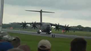 Airbus A400M Atlas Amazing Short Landing RIAT 2012