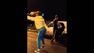 Жесть в ОМСКЕ пьяные танцы!!! г. Омск ул.омская д.152