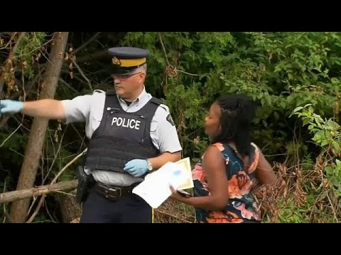 Migrants crossing from US into Canada