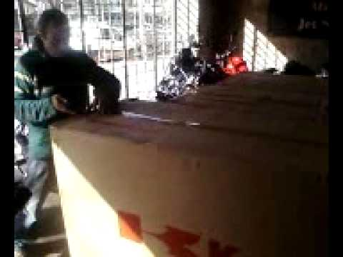 NINJA 300 UNPACKAGING