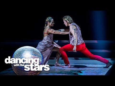 Ian Thomas verrast met ontroerende moderne dans
