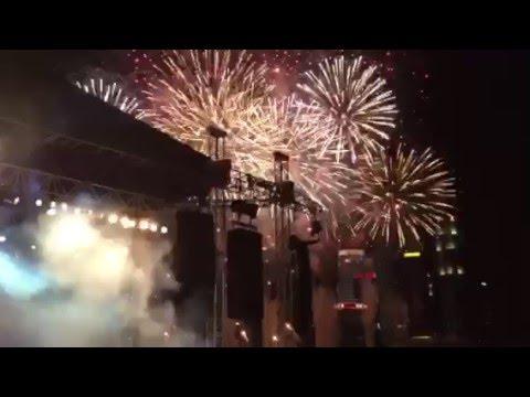Countdown and fireworks at Marina Bay Floating Platform