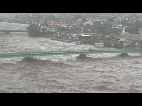 Мощный циклон вызвал