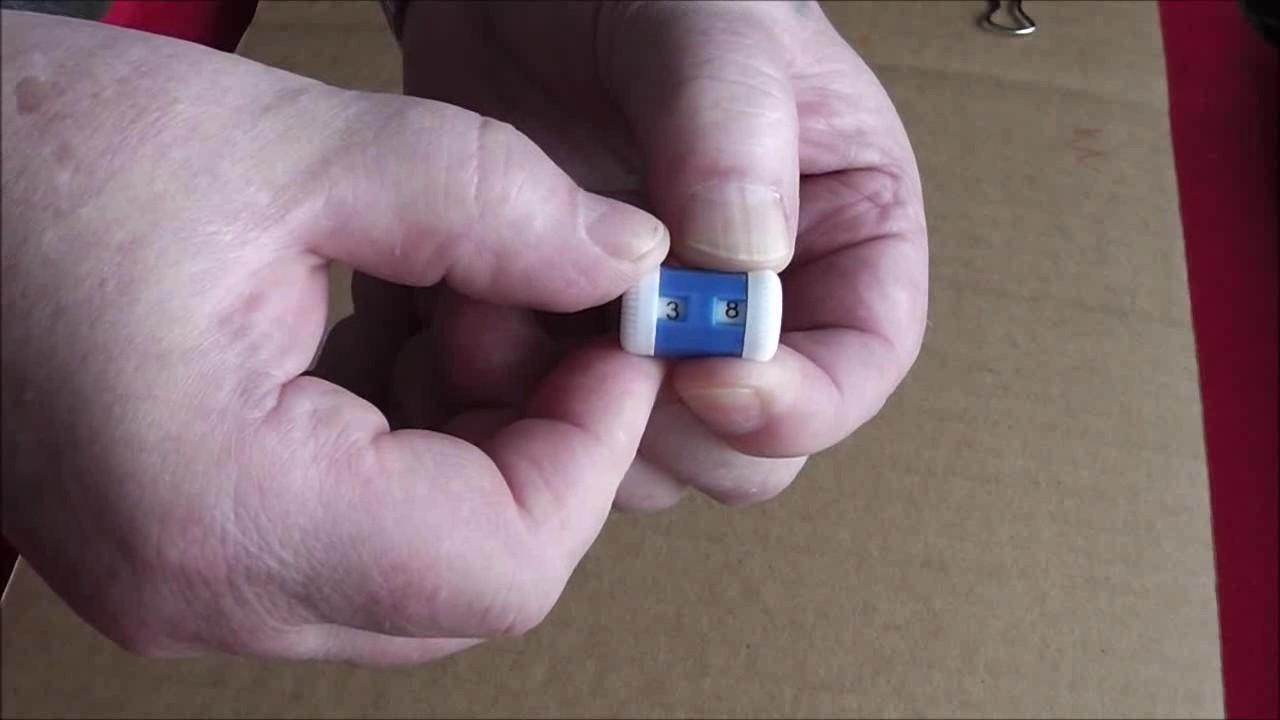 Ручно́й механи́ческий счётчик — ручной механизм, для подсчитывания повторяющихся событий нажатием кнопки на счётчике, чтобы не использовать ручку и бумагу для их записи или чтобы не держать эти числа в уме. Максимальное значение цифр может изменяться на разных видах счетчиков.
