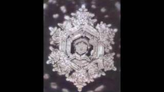 528hz sound with relaxing water crystal pictures