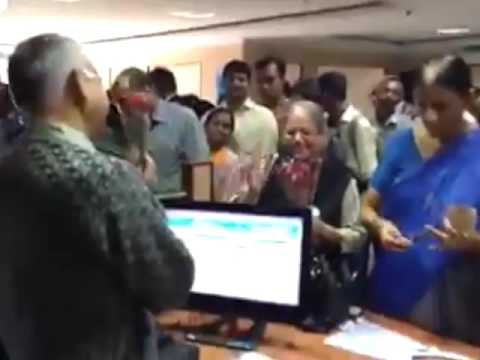 IF YOU ARE STANDING IN BANK QUEUE PLEASE WATCH THIS ELDERLY WOMAN VIDEO