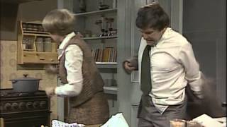A Fine Romance 1981 S03E03 The Dinner Party