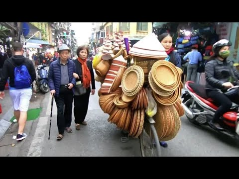 Exploring the Fascinating Streets of Hanoi, Vietnam