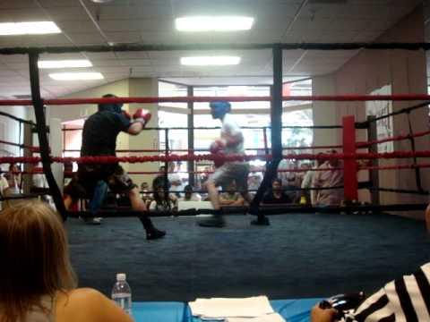 Andres Morales vs Edgar tapia R1
