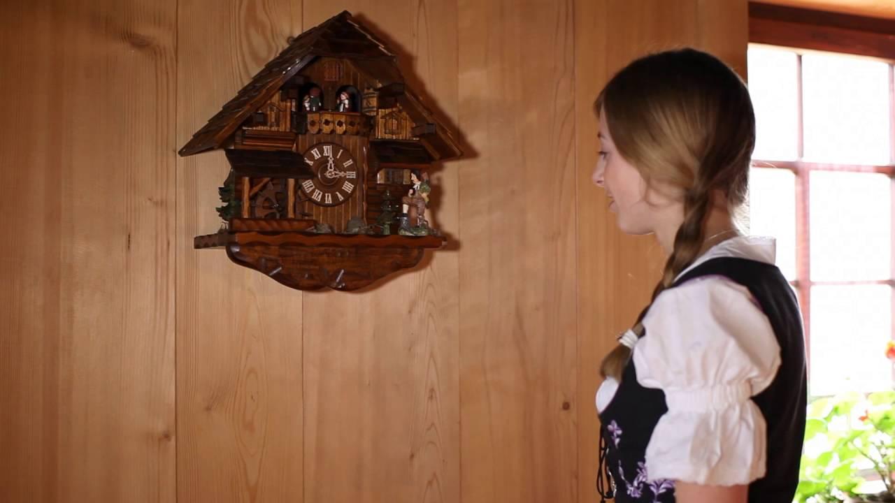 horloges coucou d baller accrocher et installer votre horloge coucou youtube. Black Bedroom Furniture Sets. Home Design Ideas
