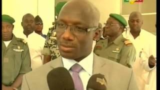 vuclip Mali:Le ministre de la défense et des anciens combattants au chevet des blessés de guerre