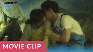 Snow is on the Sea | Park Hae Jin's Makes His First Move On Lee Young Ah [Eng Sub]