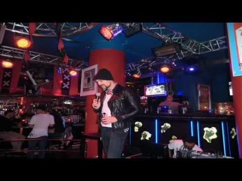 The Bulldog™ Palace: Karaoke!