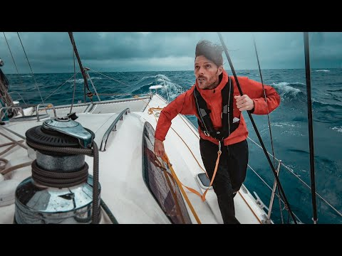 biggest-waves-ever!!!-4-days-living-at-sea