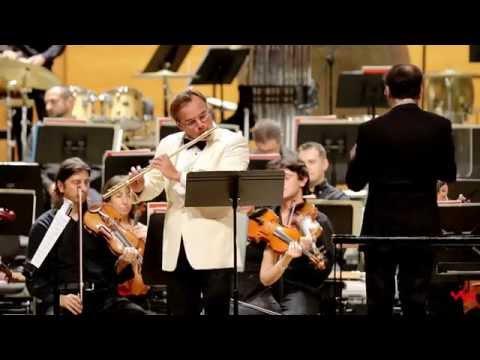 Andrea Griminelli suona L'Arrivo dalla Colonna Sonora Mediterraneo film di Salvatores con laVerdi