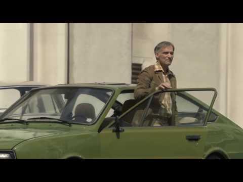 Nový seriál na JOJke: SVET POD HLAVOU - Vratislav Šlajer