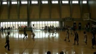 中山中学校体育館 on 2012.10.1 in ぎふ 一般の観客席は、舞台上と舞台下2列。 平日だし、地元が絡む対戦ではないので、満席ではない。 真近で観れたのはいいけども、 ...