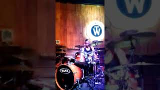 KAPTEN band - Mari menari live @ The wood cafe Bandung 3 feb 2019 (minus one )