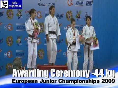 Judo 2009 Yerevan: Awarding [-44kg].