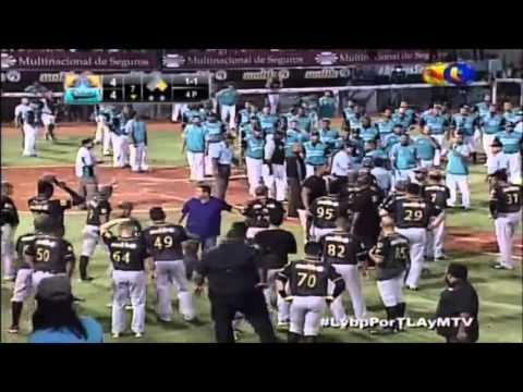 Pelea entre Bruce Rondón y José Osuna  Magallanes  Bravos  LVBP 2015-2016