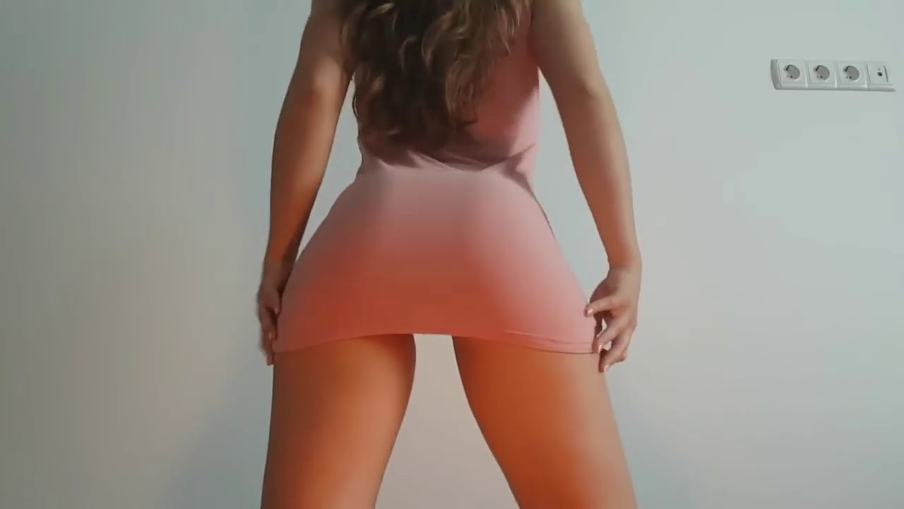 Big ass twerking check my sexy babes shaking big asses so good and sexy 1? ??