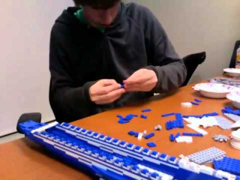 LEGO Time Lapse: Boeing 787 Dreamliner