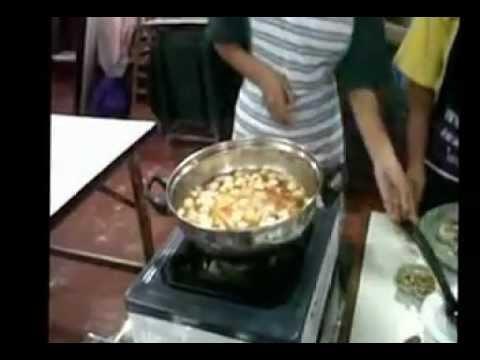 ทำอาหารต้มยำกุ้งน้ำข้น