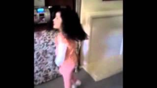 GANGNAM STYLE little Girld Dancing