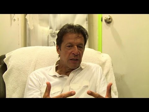 Pakistan's Khan in 'battle of nerves' with PM Sharif