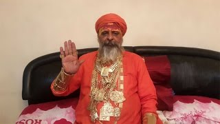 Indian Priest Wears £300K Worth Of Gold