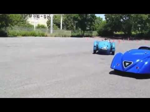 Demo drive of French Le Mans cars from the 1930s