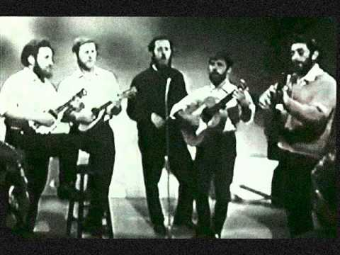 The Dubliners ~ The Kerry Recruit {Bobby Lynch}