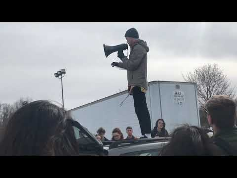 Students walkout and rally at Reeths-Puffer