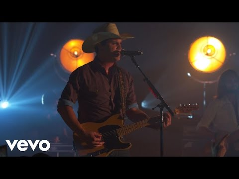 Jon Pardi - Heartache On The Dancefloor (Vevo Presents)
