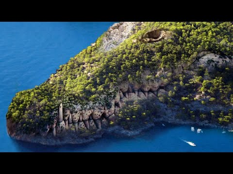 10 Most Dangerous Islands In The World